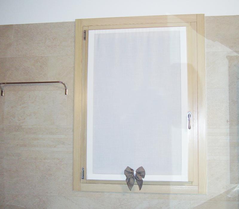 Tende vetro ivana tendaggi - Tende a vetro per bagno ...