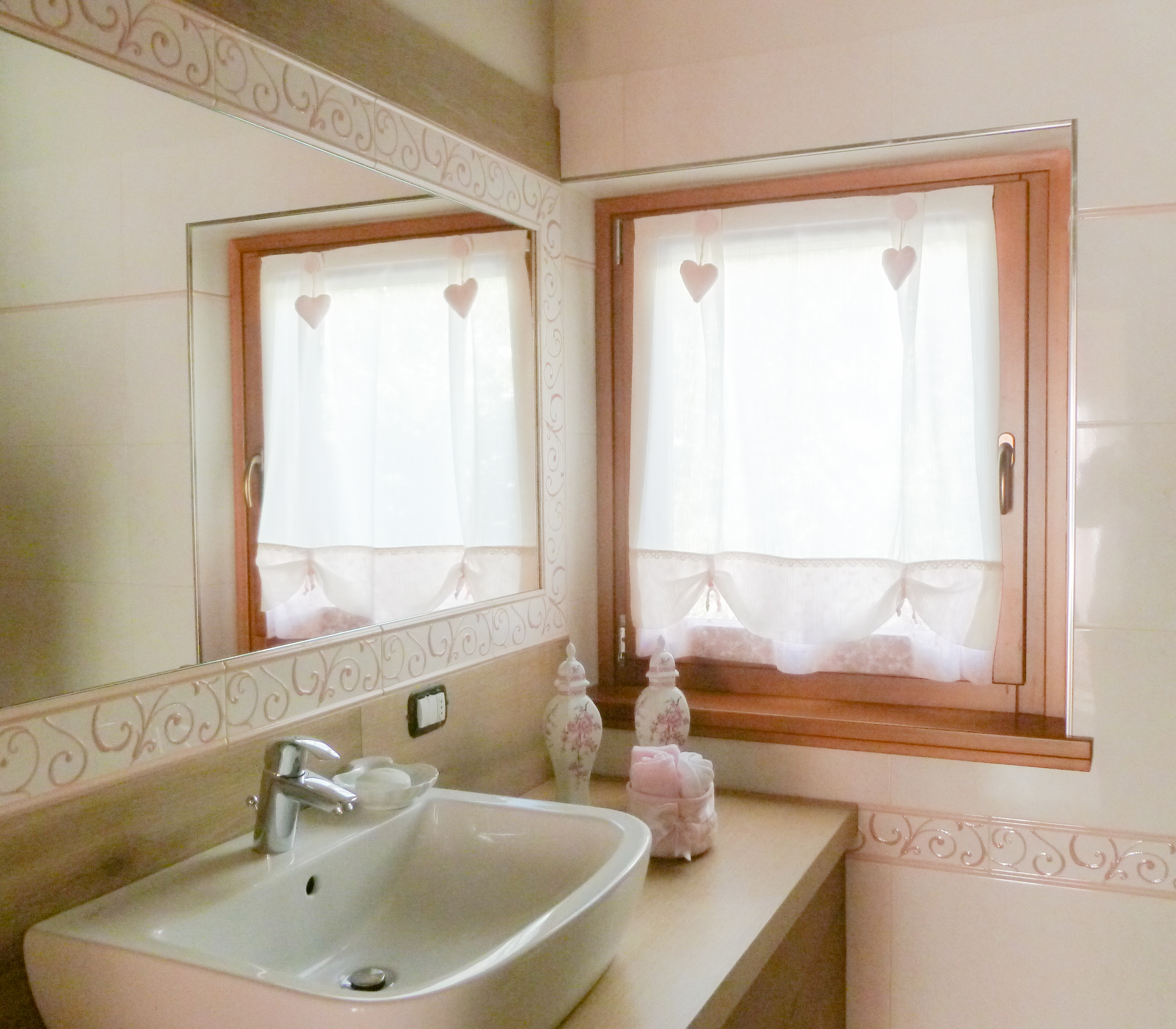 Tende vetro ivana tendaggi - Tende per finestre da bagno ...