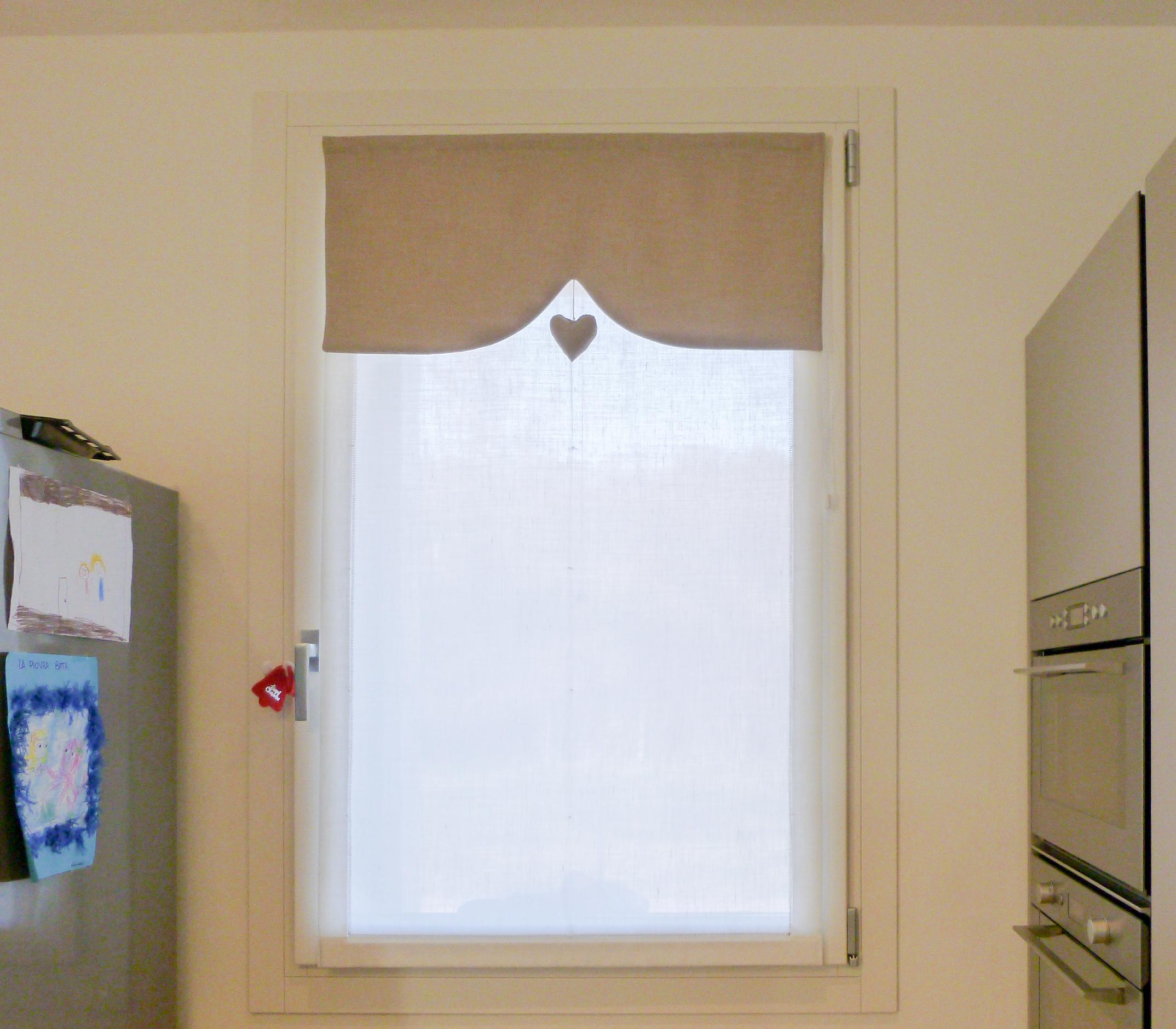Tende vetro ivana tendaggi - Immagini di tende per cucina ...