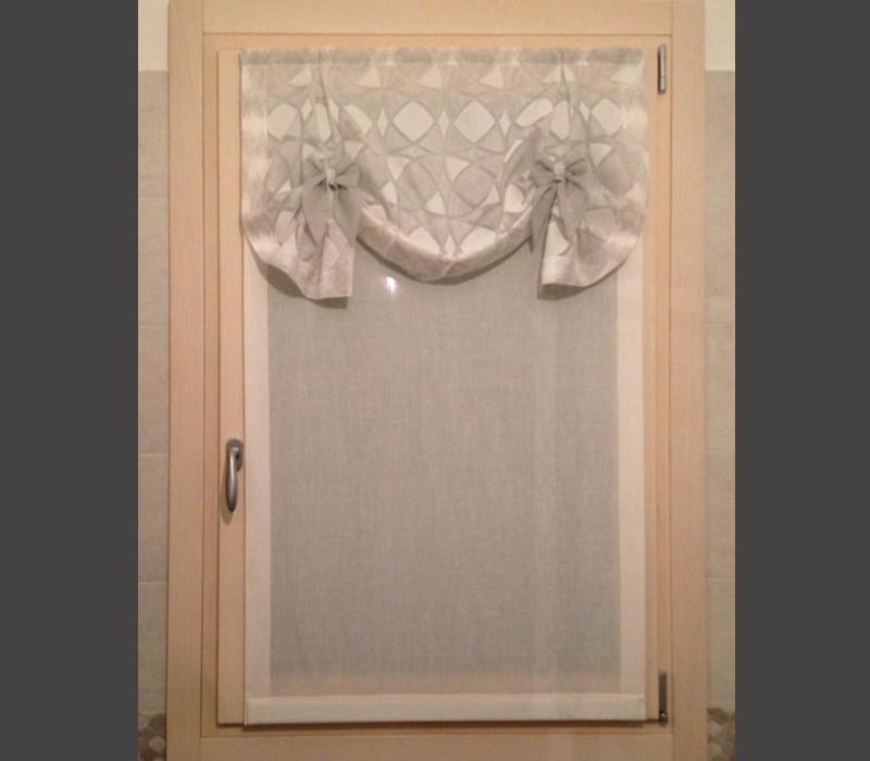 tenda vetro decorata per porta